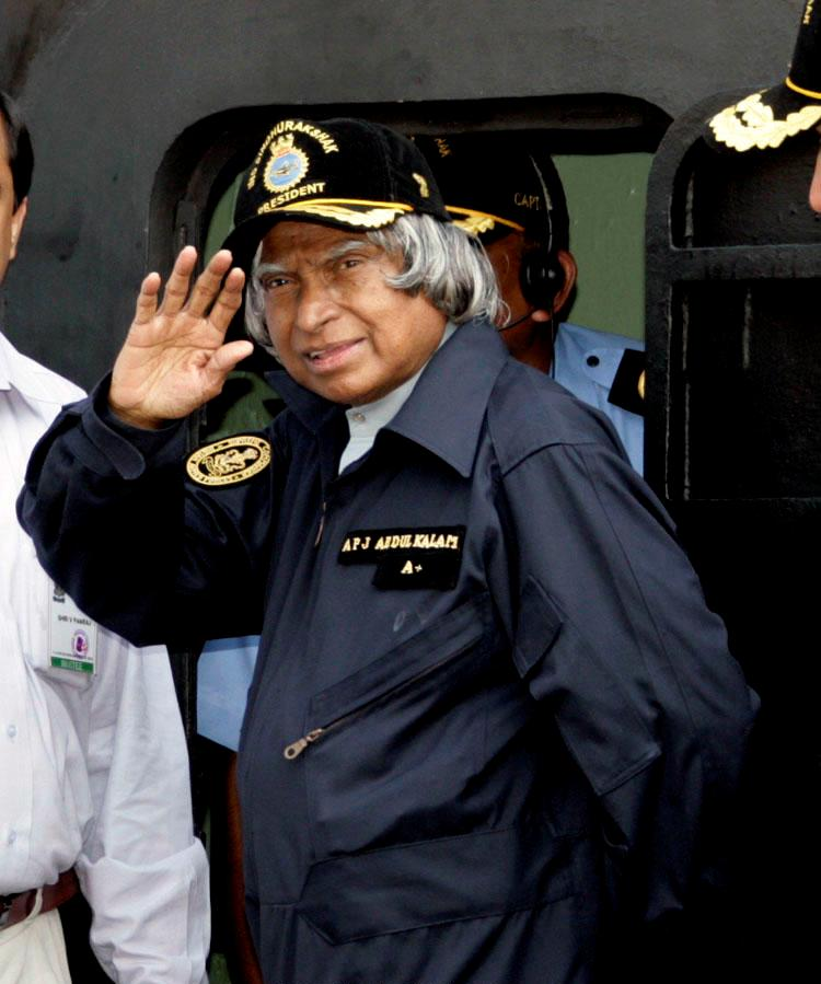 kalam-waves-hand-to-indian-media