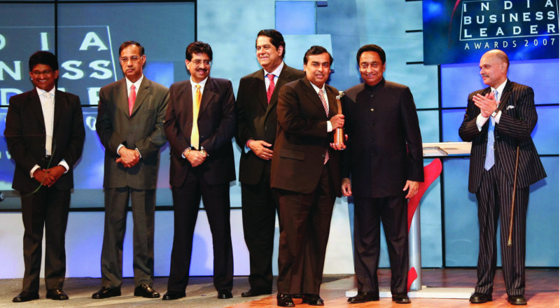 ambani-award-taking-photo